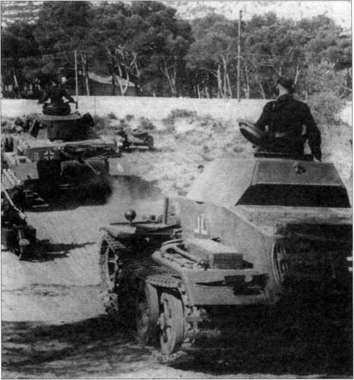 Движение колонны 13-й полицейской танковой роты (13. verst. Polizei- Panzer-Kompanie). Впереди средний танк Pz.Kpfw.IV, за ним следует Pz.Kpfw.II Ausf.J (VK 1601). Лето 1943 года.
