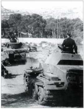Танк поддержки пехоты Pz.Kpfw.II Ausf.J. В основном использовался для огневого обеспечения действий немецких карателей против партизан. Представленная на рисунке боевая машина окрашена в серый цвет и несет на башне тактическое обозначение 13-й полицейской танковой роты. Справа — фотоснимок, отражающий действия этого подразделения. На нем видно, что тактические знаки 13-й полицейской танковой роты, также наносились на кормовую часть машины. Территория Югославии, предположительно весна 1943 года.