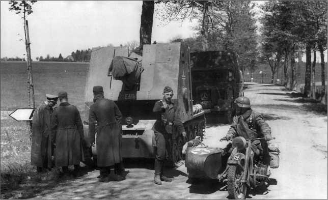 Самоходное пехотное орудие sIG 33 Sfl. Из состава 703-й роты тяжелых пехотных орудий. Франция, май 1940 года.