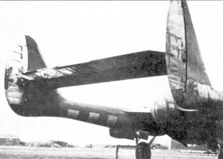 Летчик P-61A из 422 NFS расстрелял V–I со слишком короткой дистанции — истребитель получил повреждения в результате взрыва самолета-снаряда. «Вдова» пролетел прямо через огненный шар, в который превратилась летающая бомба, в результате обгорела матерчатая обшивка рулей истребителя.