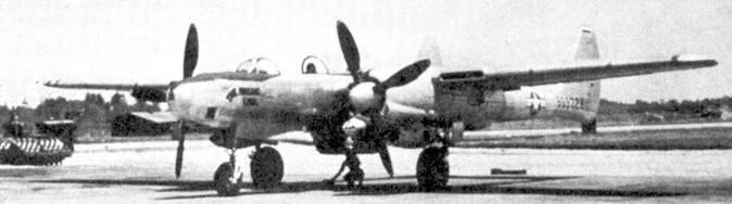 «THE MISSING LINK» — разведчик F-15 А «Репортер» из 8-й фоторазведывательной эскадрильи, авиабаза Джонсон, Япония, 1948г. Фоторазведчики F-15A из 8 PRS не окрашивались, за исключение антибликовых панелей перед козырьком фонаря кабины и внутренних поверхностей мотогондол. Все разведчики 8-й эскадрильи несли символику подразделения — круг черного цвета цифрой «8» в круге белого цвета, вписанном в черный. Круги рисовали на вертикальном оперении.