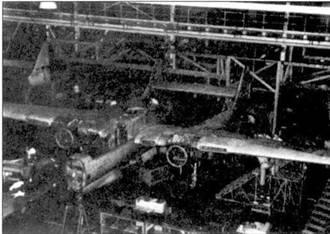 Этот самолет никогда не поднимался в небо, на снимке — планер, предназначенный для статических прочностных испытаний.