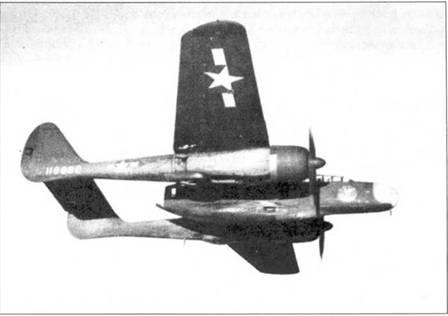 Один из тринадцати предсерийных YP-61B полете над Флоридой. Этот самолет ис пользовался в качестве учебно-тренировочного в 481-й ночной истребительной оперативной тренировочной группе.