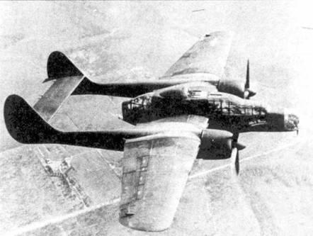 YP-61 из 481 NFOTG в полете над Орландо. Пи фюзеляже белой краской написано на звание самолета — «Black Maria». Из турели демонтированы два пулемета — попытка избавиться от разбалансировки самолета при развороте турели.