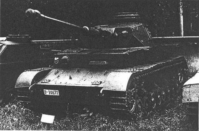 Pz.IV Ausf.J поздних выпусков в экспозиции военного музея в Софии.