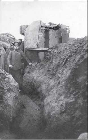Танк СА-1 «Шнейдер» из группы AS1, потерянный в бою у мельницы Лаффо 5 мая 1917г.