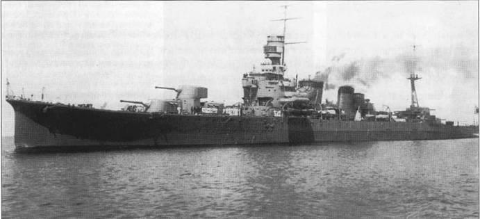 «Фурутака» на переходе из Нагасаки к Йокогаму, 5 апреля 1926г, Передняя дымовая труба еще не надстроена.