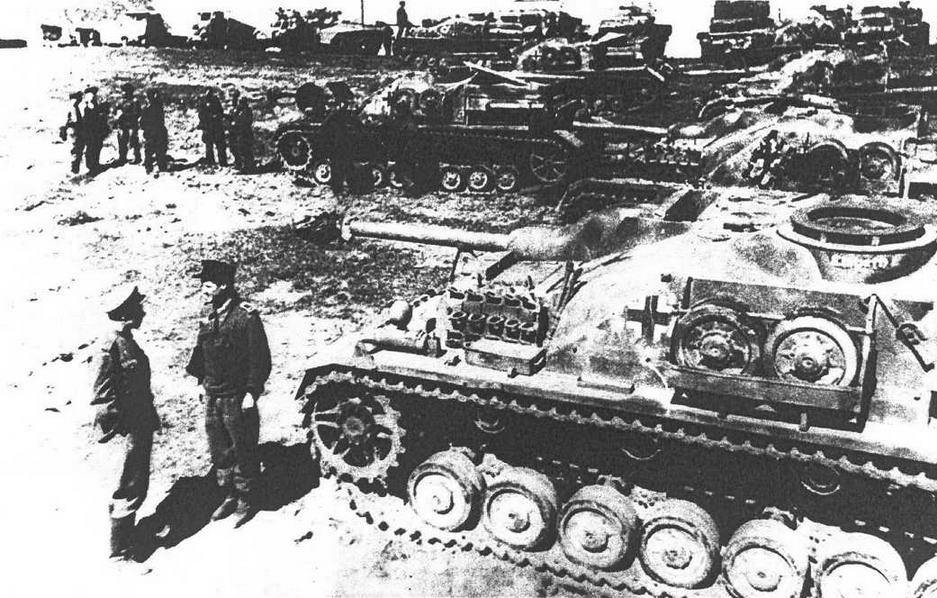 Капитуляция подразделения StuG IV. Курляндия, 1945 г.