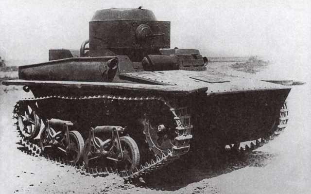 Танк Т-37А первых выпусков, 1934 год. Машина еще не имеет поплавков над гусеницами (АСКМ).