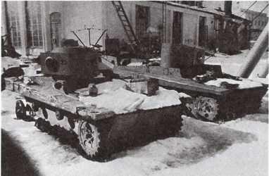 Трофейные танки Т-37А, доставленный финнами на ремонтный завод в Варкаусе. Весна 1940 года (фото из коллекции Е. Muikku).