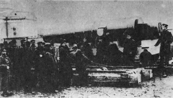 """Транспортировка 305-мм орудия на """"Петр Великий"""""""