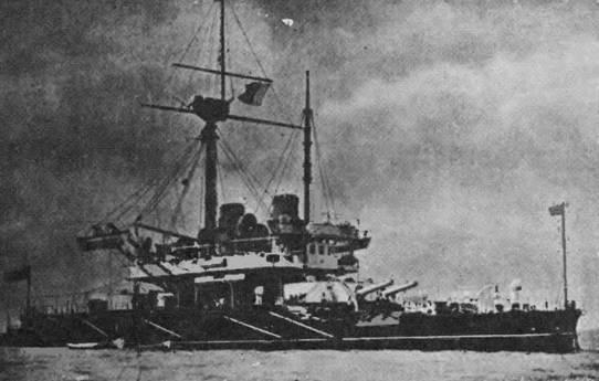 """""""Thanderer"""" у Мальты (вверху) и после перевооружения."""