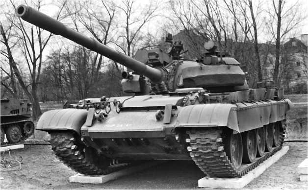 Модернизированный танк Т-55АМ.