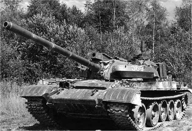 Модернизированный танк чехословацкого производства Т-55АМ2, оснащенный СУ О «Кладиво».