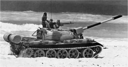 Накануне войны 1973 года египтяне оснастили часть танков Т-54А немецкими инфракрасными прожекторами фирмы «Телефункен».