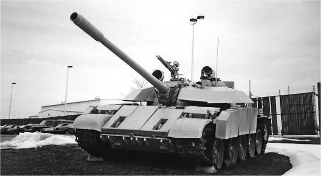 Средний танк Т-55 модернизированный в Ираке.