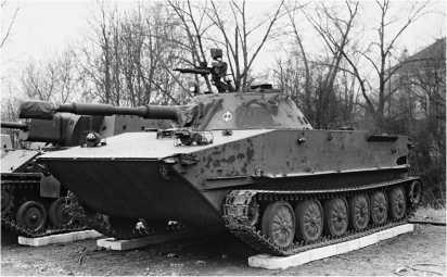 Плавающий танк ПТ-76Б Войска Польского.