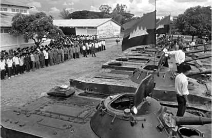 В строю танки ПТ-76 камбоджийской армии.
