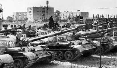 Сирийские Т-62 на окраине Бейрута. Ливан, 1982 год.