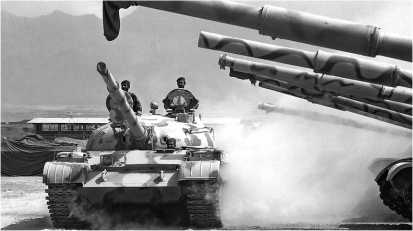 Танк Т-62 из состава танкового батальона афганской армии. 2006 год.