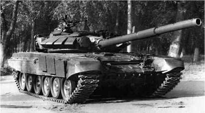 Танк Т-72Б образца 1989 года со встроенной динамической защитой.
