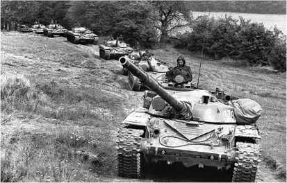 Танки Т-72М польского производства из состава одной из частей Войска Польского.