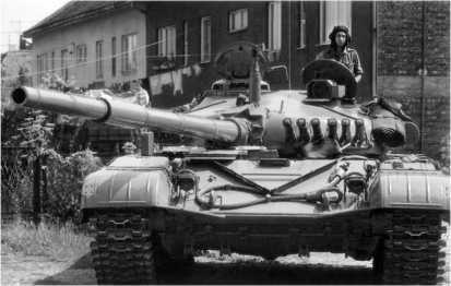 Танк М84 Югославской народной армии. 1991 год.