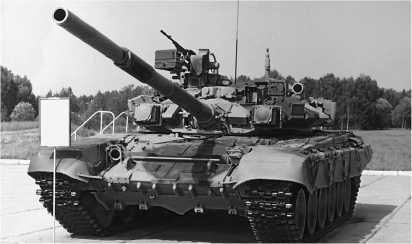 Серийный танк Т-90 во время правительственного показа. Кубинка, 31 августа 1995 года.