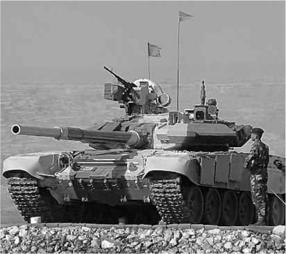 Танк Т-90C индийской армии во время правительственного показа.
