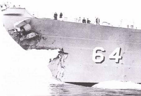 На учениях в районе. мыса Генри столкнулись линкор «Висконсин» эсминец «Итон». Результат столкновения в части линкора — на снимке, май 1956г. Повреждения «Висконсина» — не так уж велики, но «Итон» пришлось спешно буксировать в порт. Вскоре после столкновения линкор поставили на хранение.