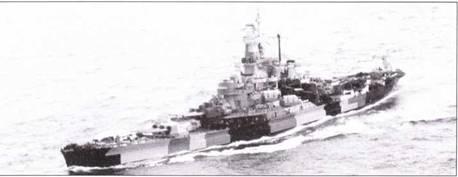 Разрушающая окраска была абсолютно не эффективна против авиационных наблюдателей, поэтому когда в 1944г. начались массовые атаки камикадзе американцы вернулись к схеме Ms. 21. Обратите внимание — палуба линкора «Южная Дакота» также закамуфлирована по схеме Ms. 32. Радиолокационное вооружение корабля в декабре 1942г. немного изменилось. Вместо РЛС SK установили радар SC, изменили местоположение антенны РЛС SG. Все восемь скоростных линкоров приняли участие в операции «Флиптлок» — вторжение на Маршалловы острова. В ходе проведения операции 1 февраля 1944г. произошло столкновение линкоров «Индиана» и «Вашингтон».