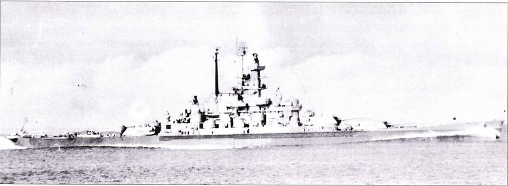 На тихом ходу входит к Пуге-Саунд линкор «Индиана», снимок сделан с «Бретона» в феврале 1946г. Окраска и радиотехническое оборудование линкора такие же, как у «Алабамы». В сентябре 1946г. линкор «Индиана» был выведен в резерв, через год исключен из списков флота окончательно.