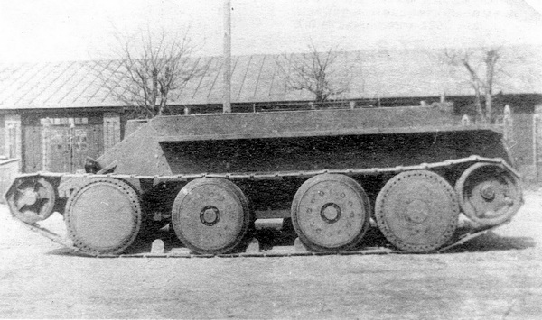 Танк Кристи во время испытаний на НИБТполигоне в Кубинке. 1931 год.