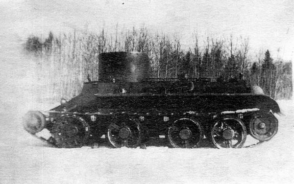 Первый БТ-2 на испытаниях. Зима 1933 года.