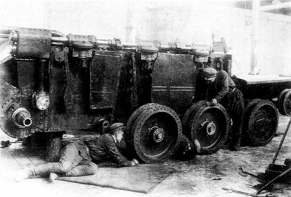 Сборка первого танка БТ-ИС на базе БТ-2.