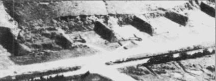Истребители МиГ-17 ВВС ДРВ на стоянке в земляных капонирах. Снимок аэродрома Киенан сделан американским самолетом-разведчиком.