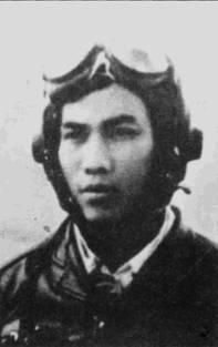 Ле Тронг Лонг в воздушном бою 17 июня 1965г. над Нхокуаном сбил истребитель F-4B из авиакрыла авианосца «Миду эй». ВМС США потерю «Фантома» в том воздушном бою не подтвердило.