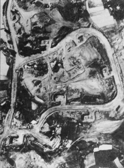Аэродром Кип вступил в строй 7 сентября 1965г. На сделанном с американского самолета-разведчика снимке можно различить индивидуальные капониры для истребителей и рулежные дорожки.