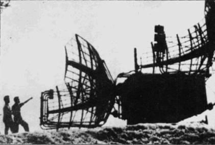 Радиолокатор П-35 мог обнаруживать воздушные цели на удалении до 300км с точностью до +/- 900м. Антенна и электронное оборудование размещалось в специальном КУНГе, который мог перевозитьься на прицепе грузового автомобиля.
