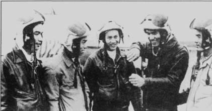 Война закончилась несколько лет назад, однако боевой опыт опытного воздушного бойца Фам Туана не устарел. Фам Таун рассказывает о тактике боев с американцами молодым летчикам. Туан стал первым (и пока последним) вьетнамским космонавтом, он совершил полет в качестве космонавта-исследователя на корабле «Союз».