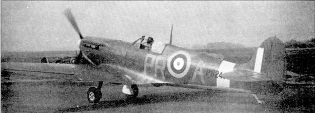 Этот самолет прямо с завода передан 609-й эскадрилье в апреле 1941г. Истребитель был сбит 17 мая Bf 109 из II./JG- 3, но самолет удалось отремонтировать, после чего он эксплуатировался в 19-й и 350-й эскадрильях.