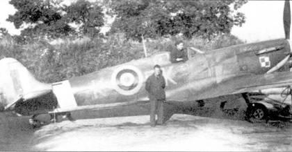 «Спитфайр Mk II» Р7833 из 315-й эскадрильи «Сити оф Демблин», Нортхолт, ноябрь 1941г. Ранее самолет принадлежал 65-й эскадрильи. Самолеты этой эскадрильи отличались необычными индивидуальными литерами, в данном случае — «К», начальная буква польского имени Крыся.