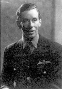 Лучший ас 609-1 эскадрильи флайт- лейтенант Джон Дандэс.