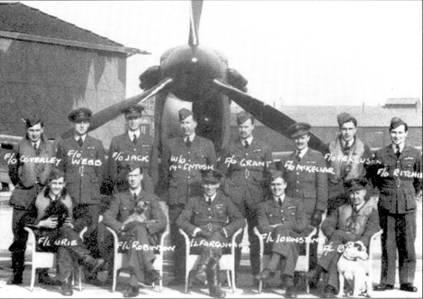 В первые шесть месяцев воины эскадрильи базировавшиеся в Шотландии чаще других подразделений Истребительного командования принимали участие в боях. 602-я эскадрилья базировалась Дриме, ею командовал уроженец Глазго скуадрон-лидер Эндрю Фэркахэр, командовал так успешно, что эскадрилья 1 марта 1940г. получила один из первых в RA F Крест за летные заслуги. Среди запечатленных на официальной групповой фотографии, сделанной в начале марта 1940г. летчиков следующие пилоты стали асами: флэг-офицер П.С. Вебб, флэг-офицер Э. Э. Маккиллар, флайт- лейтенант Э. В. Р.Джонстон, флайт- лейтенант Бойд.