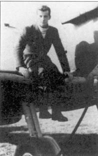 Пайлот-офицер «Джон Вилли» Хопкин воевал в период битвы за Британию сначала в 54-й, затем в 602-й эскадрильях. Всего он сбил четыре самолета лично, одни — в группе, один самолет повредил.