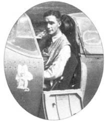 Сержант Дон Книгби короткое время служил в 202-й эскадрилье, после чего был переведен в 92-ю эскадрилью. В конце 1940г. на его счету значилось 8 сбитых лично и один в группе, девять поврежденных самолетов, две победы не были подтверждены. Его финальный боевой счет составил 21 личную победу, две — в группе, 11 поврежденных самолетов и шесть не подтвержденных побед. На сделанном в конце 1941г. снимке Кингби сидит в кабине истребителя «Спитфайр Mk V».