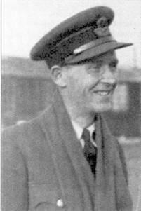 Флайт-лейтенант Дирик Бойтел- Джилл воевал в период битвы за Британию в составе 152-й эскадрильи и сбил лично восемь самолетов и один в группе, три победы он одержал в одном боевом вылете 15 сентября.