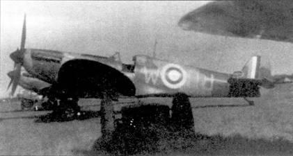 На снимке — персональный «Спитфайр» Дэниса Гиллэма, Кинди, конец августа 1940г. Это один из первых «Спитфайров», полученных 616-й эскадрильей в январе 1940г., в конце августа машину передали 72-й эскадрилье, 5 сентября сержант Малькольм Грей сбил на ней Bf 109.