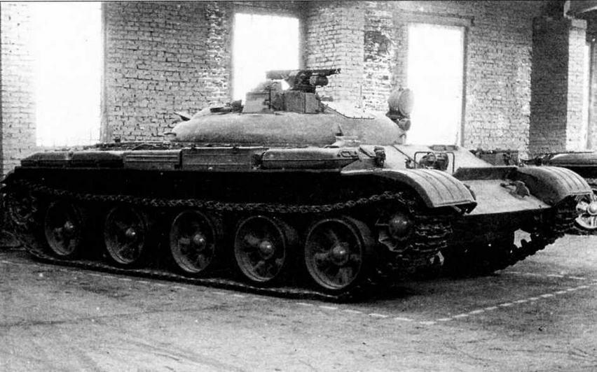 Ракетный танк ИТ-1 в музее Уралвагонзавода. Пусковая установка ракеты ЗМ7 находится в боевом положении