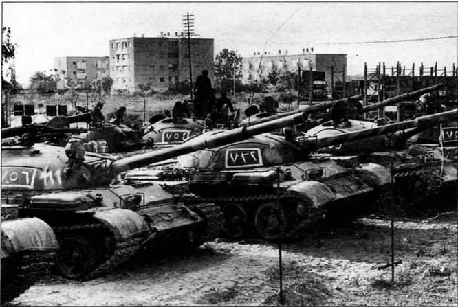 Сирийские Т-62 на окраине Бейрута. Ливан, 1982 год